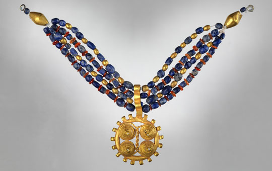 gold and beaded necklace from Ur, Iraq